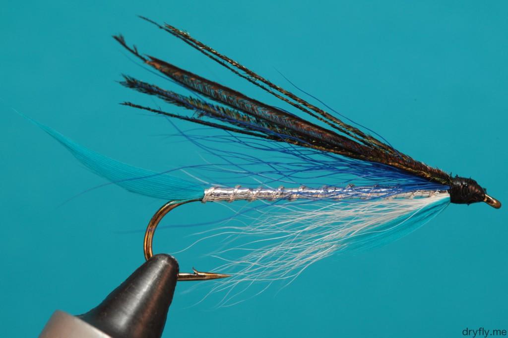 dryfly.me.2013.10.12.streamer_blue_silver