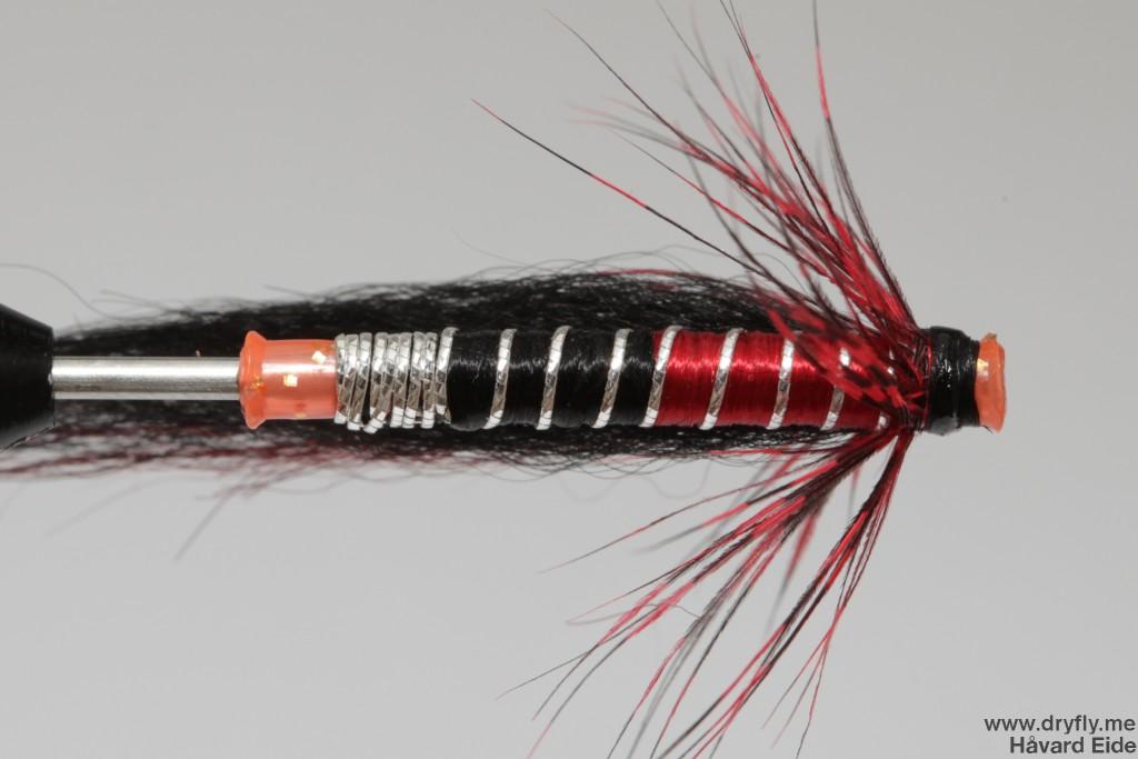 dryfly.me.2013.12.20.tube_red_black_under
