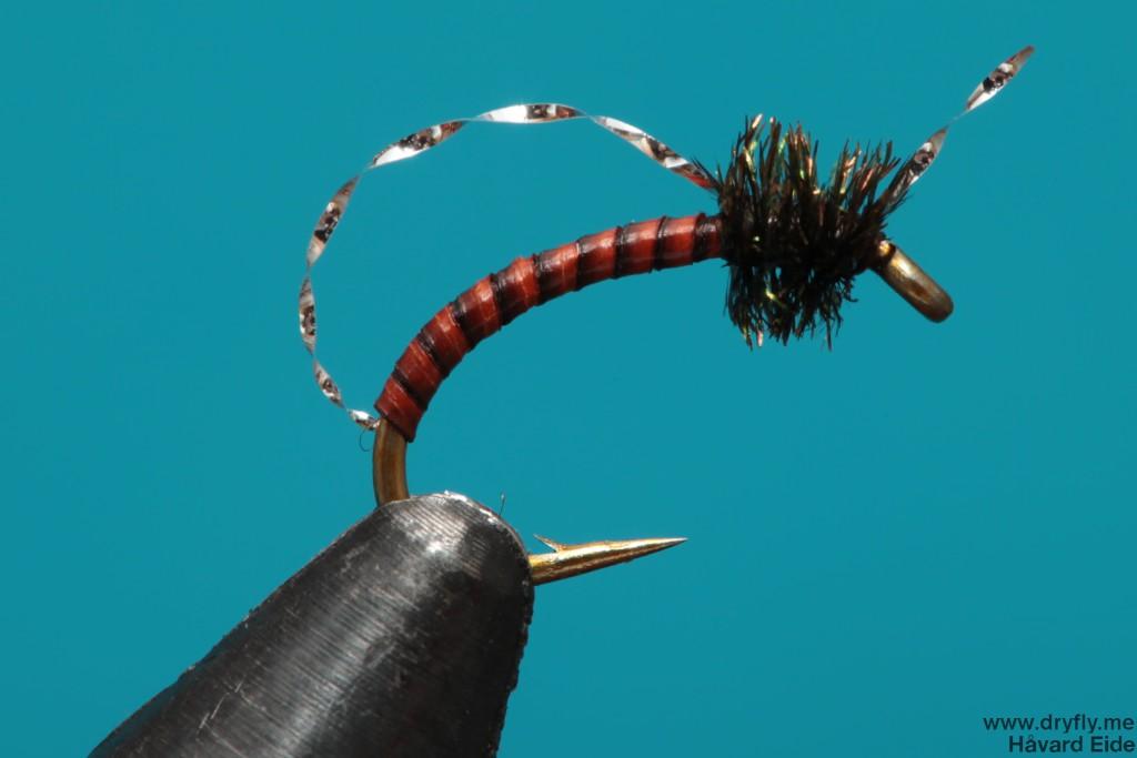 dryfly.me.2013.12.30.peacock_flash_midge
