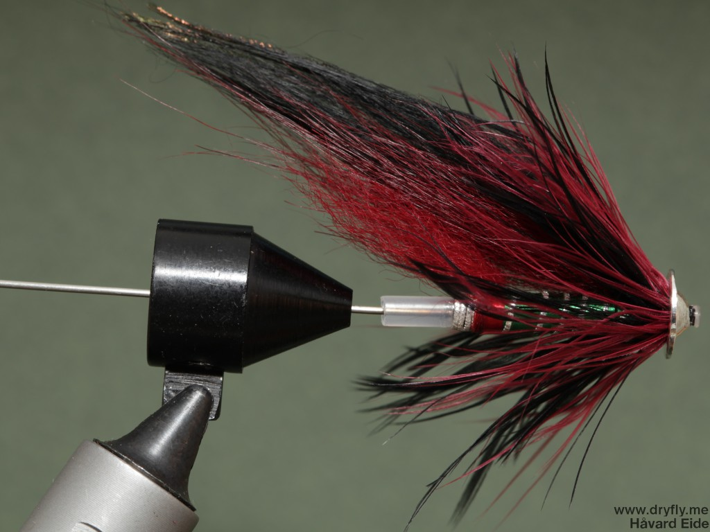dryfly.me.2013.01.26.tube_red_black_green