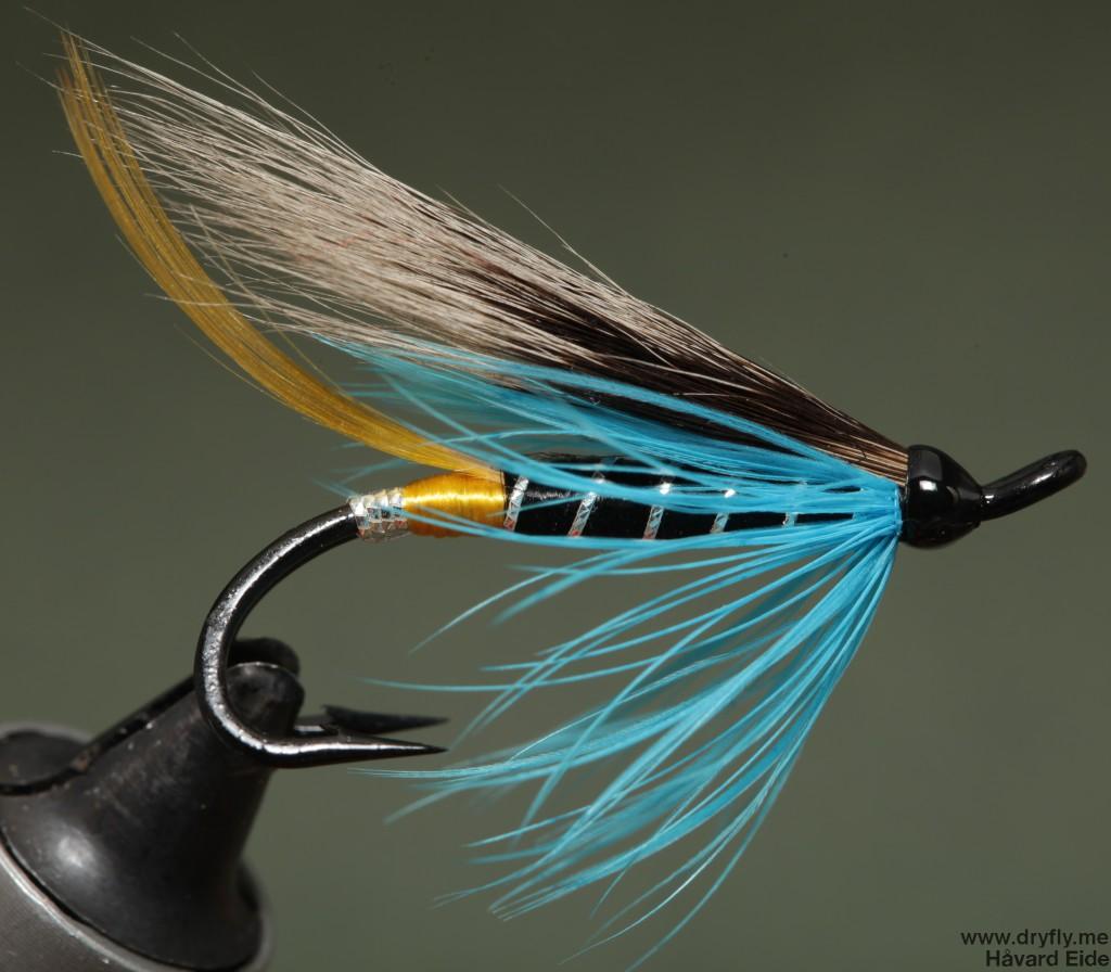 2014.12.29.dryfly.me.blue_charm