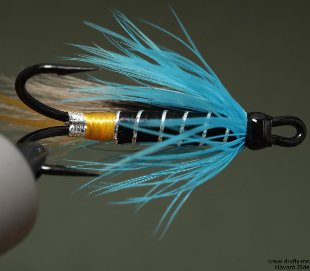 2014.12.29.dryfly.me.blue_charm_bottom